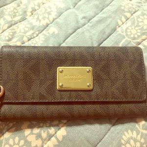 Pre loved Michael Kors wallet.